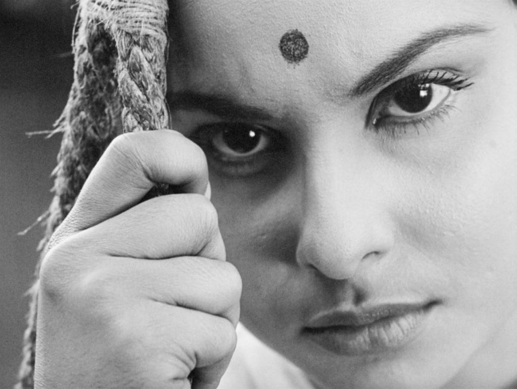 Madhabi Mukherjee as Charulata (Charu)