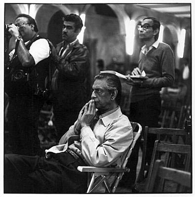 Satyajit Ray on the sets of Ganashatru, 1989 ©Denis Darzacq