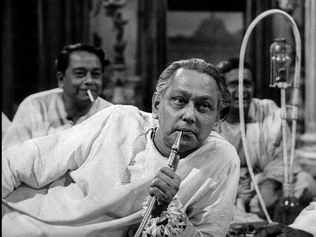 Chhabi Biswas as Biswambhar Roy
