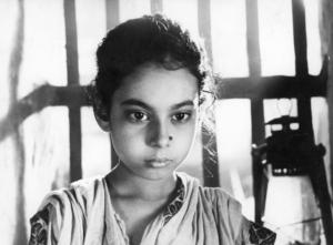 Chandana Banerjee as Ratan in Three Daughters