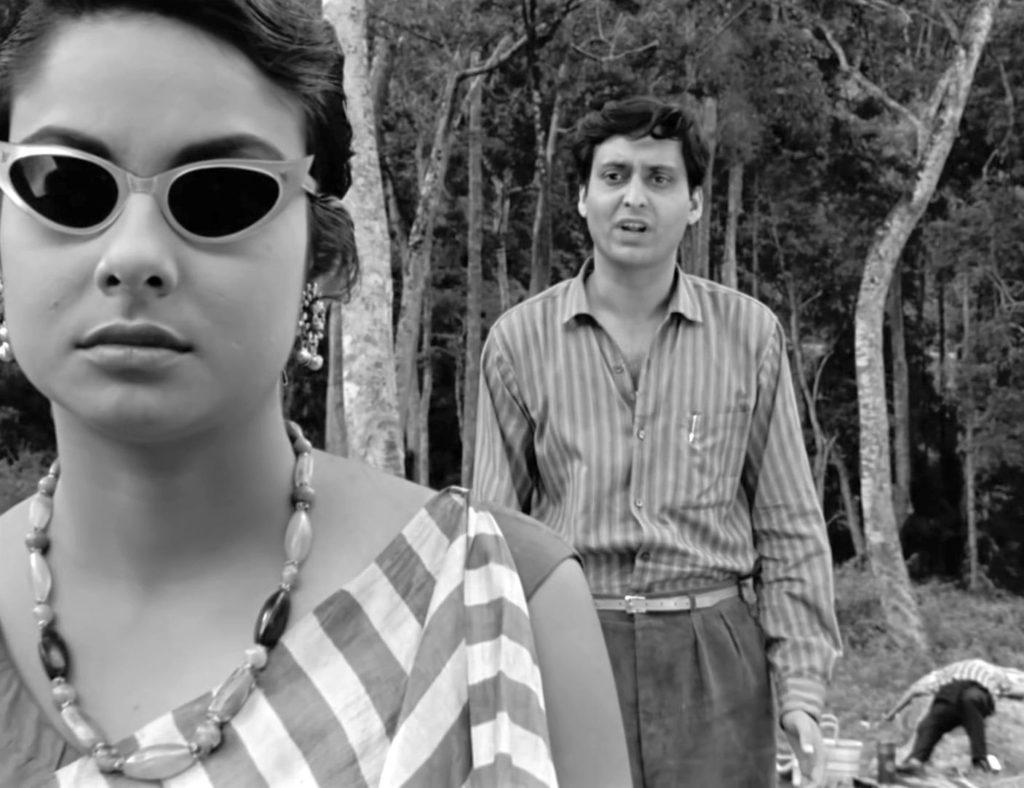 Karuna (Madhabi Mukherjee) and Amitabha Roy (Soumitra Chatterjee), Kapurush