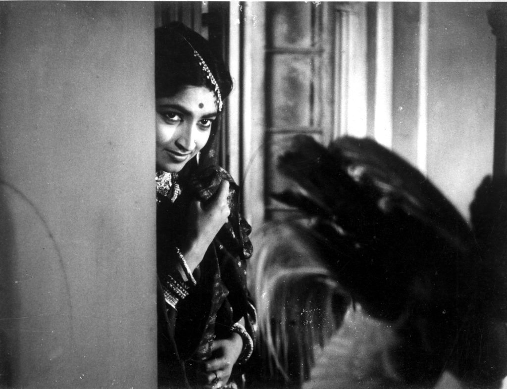 Satyajit Ray, Teen Kanya (Three Daughters), 1961 (still); image: courtesy Janus Films