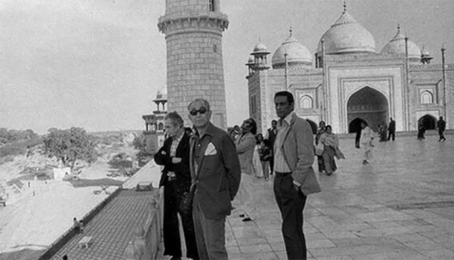 Michelangelo Antonioni, Akira Kurosawa, and Satyajit Ray at the Taj Mahal in 1977