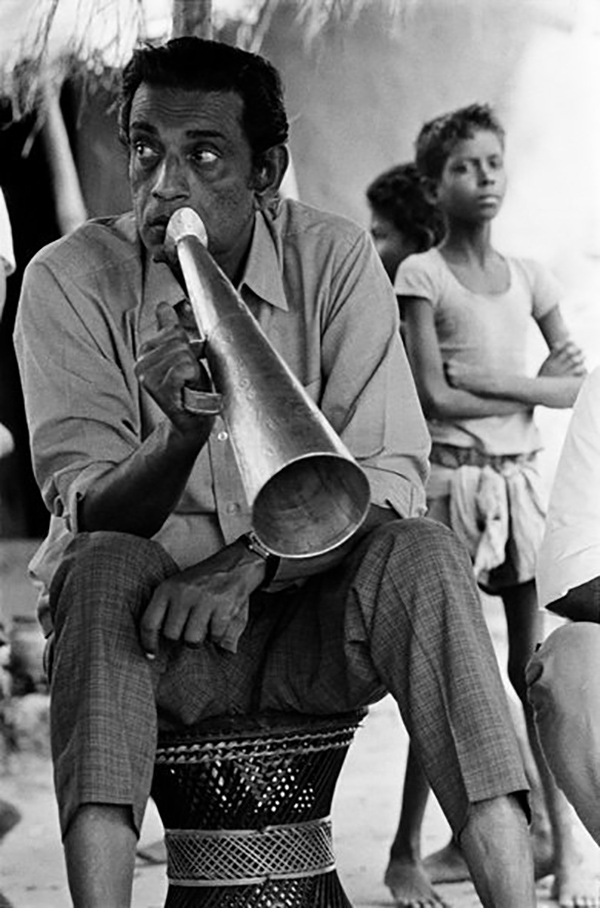 Satyajit Ray on the set of Distant Thunder ©Nemai Ghosh