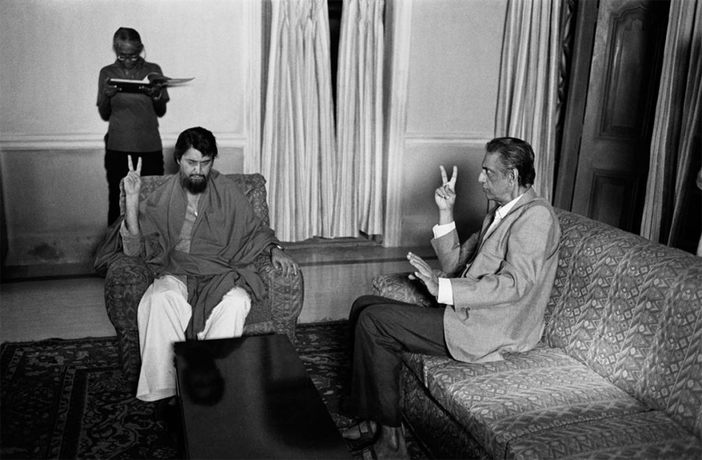 Satyajit Ray directing Soumitra Chatterjee (Proshanto) ©Nemai Ghosh