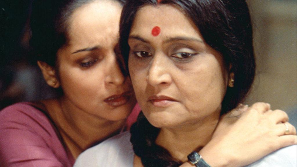 Indrani (Mamata Shankar) and Maya (Ruma Guha Thakurta)
