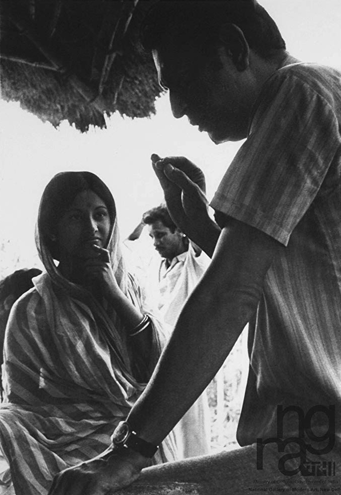 Satyajit Ray directing Babita ©Nemai Ghosh