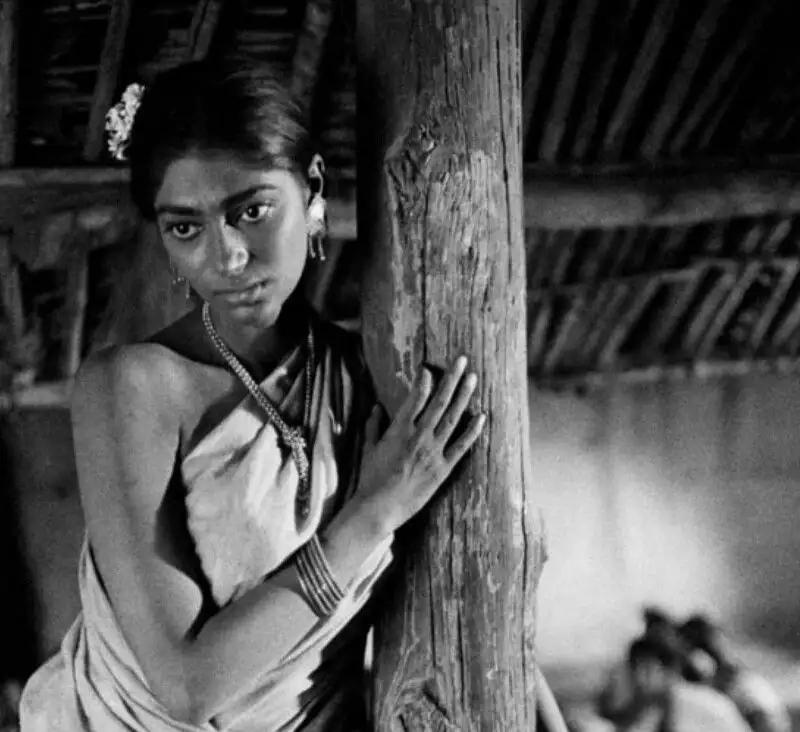 Duli (Simi Garewal) ©Nemai Ghosh